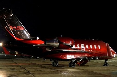Льюис Хэмилтон купил самолет, чтобы спасти отношения с Николь Шерзингер
